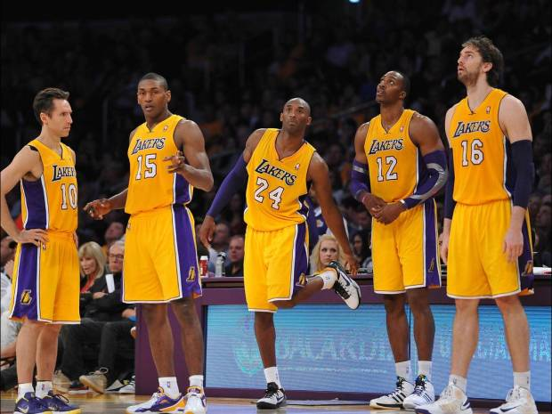2012-10-31-lakers-4_3_rx812_c1080x810