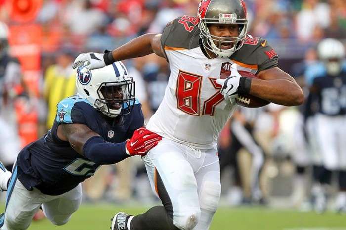 Austin Sefarian-Jenkins caught five passes for 110 yards and two touchdowns. He also made his name known to fantasy owners. (Photo By: Cliff Welch/PewterReport)